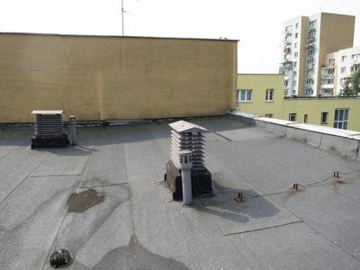 skakanie po dachu